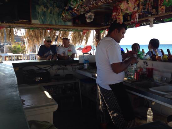 Club De Playa El Tecolote : Bar playa Tecolote