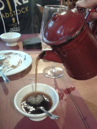 Casal Do Cabildo : El café de pota...