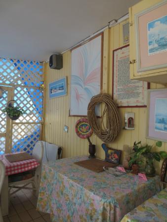 Vivine's Kitchen: Decor