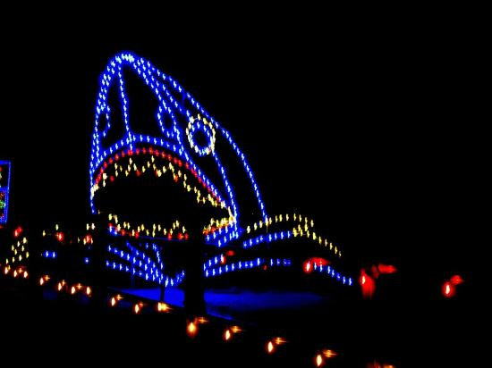 schooner inn boardwalk christmas lights beside the schooner - Virginia Beach Christmas Lights