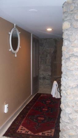 Duck Inn: hall to bathroom and sauna