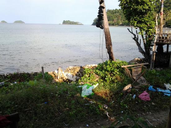Siam Hut Koh Chang: Vue depuis le bungalow,  scandaleux !