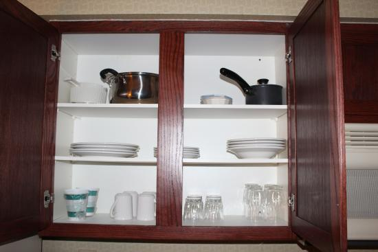 Homewood Suites St. Louis Chesterfield : Cookware included.