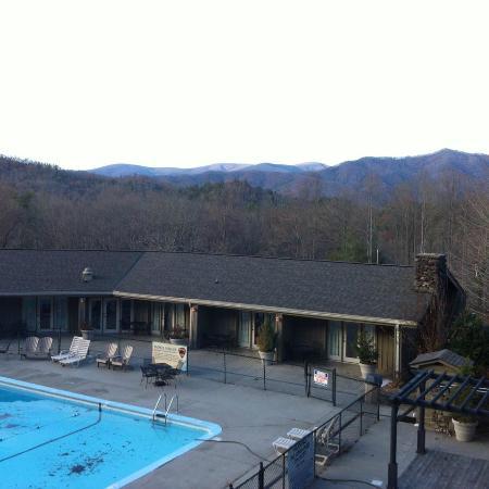 Fontana village resort picture of fontana village resort for Watershed cabins lake fontana view