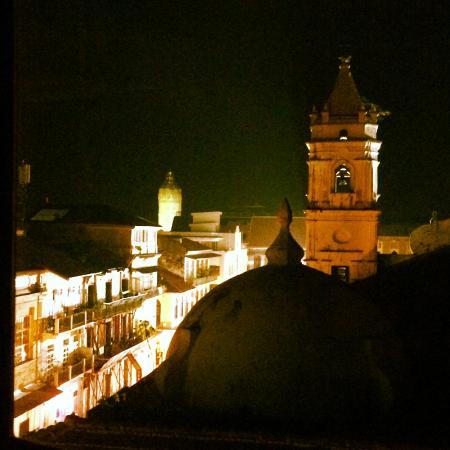 Magnolia Inn: View East of the Plaza de la Catedral