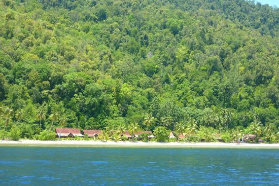 Raja Ampat Dive Lodge: View from dive boat