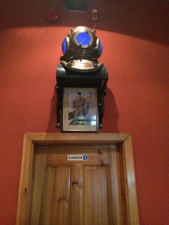 Andrews Restaurant: Над женским туалетом )))