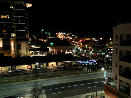 Hilton Promenade at Branson Landing: Nightime Branson