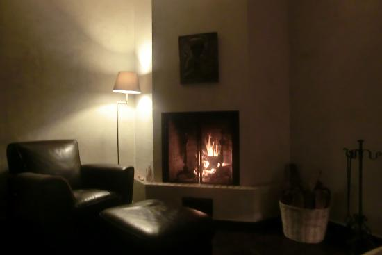 La Joya Hotel San Cristobal : fire place