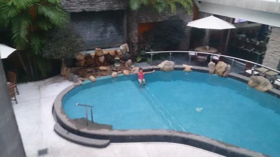 Hotel Rio Malecon Puerto Vallarta : swim before breakfast