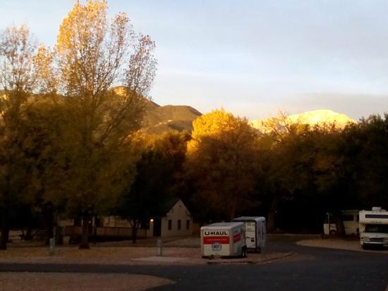 Garden of the Gods RV Resort: Nice morning view