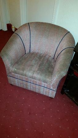 Belgrave Hotel: Chair in the hallway