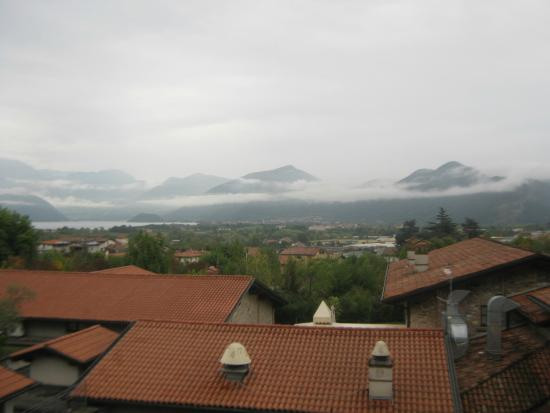 Relaisfranciacorta: Amazing View from the Balcony Area