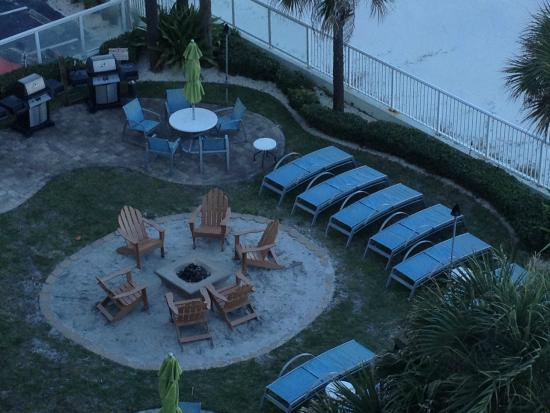 Bluegreen Daytona Seabreeze, Ascend Resort Collection: Outdoor fire pit in pool area