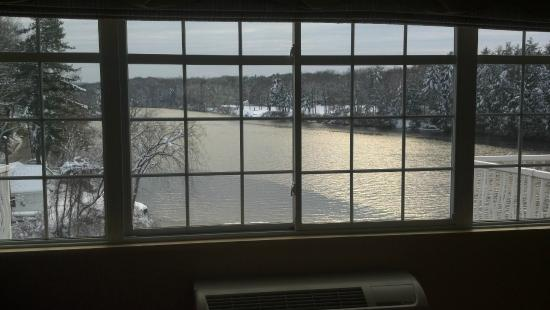 West Chesterfield, Nueva Hampshire: View of Connecticut River from our room
