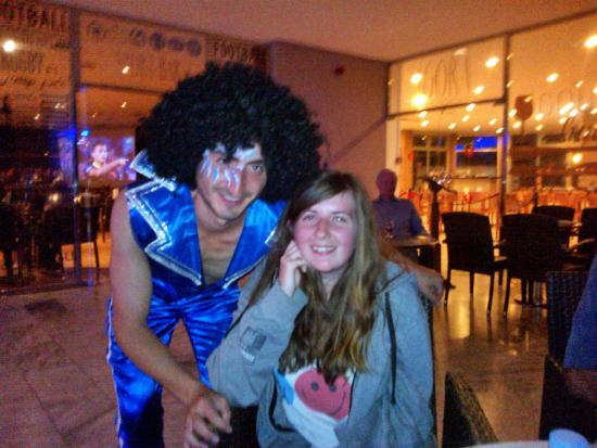 TRYP Tenerife: Boogie Night Entertainment(Akif making our daughter smile) Thanks again to Akif an asset to the