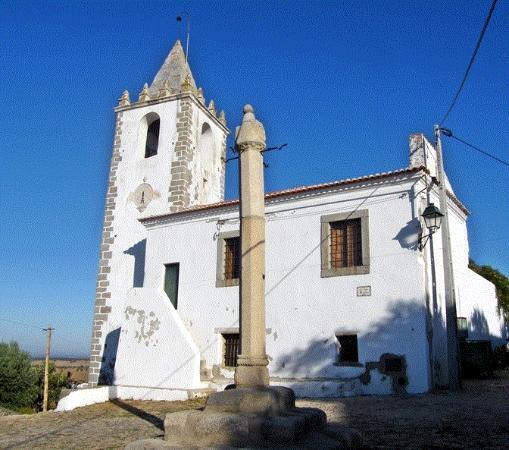 Casa da Camara e a Torre do Relogio