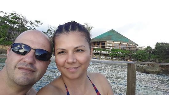 Media Luna Resort & Spa: Nuestra luna de miel en  hotel Media Luna Resort Roatan Honduras.