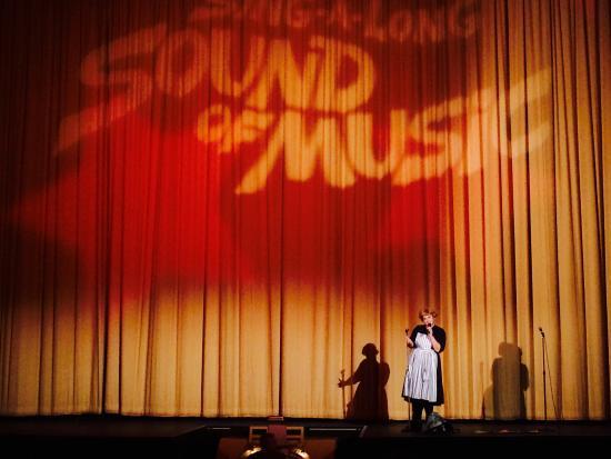 Castro Theatre: vor der Vorführung wird man instruiert!! 😃