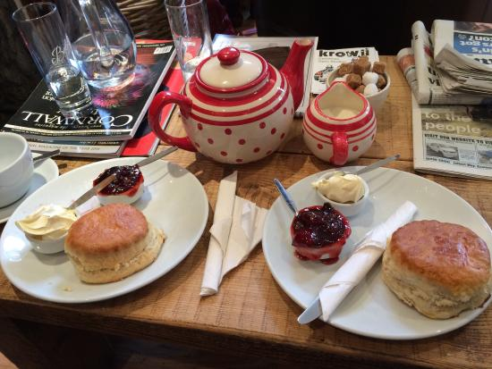 Charlie's Coffee House: Cream tea with loads of jam and rhodas as it should be!!!