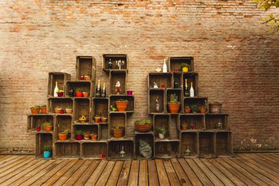 Terras houten bakken foto van le roi brasserie classique