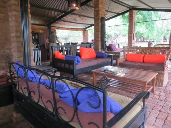 Prana House & Prana Tented Camp Zambia: Dining and lounge area
