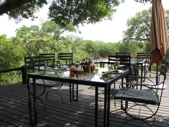 Waterbuck Game Lodge: Outside table