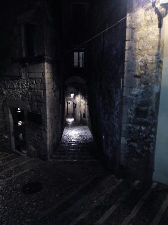 Casa Cundaro: Entrada y ventana habitación triple