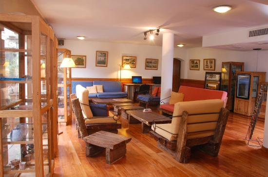 Posada San Isidro: Posada de San Isidro Apart Hotel Lobby