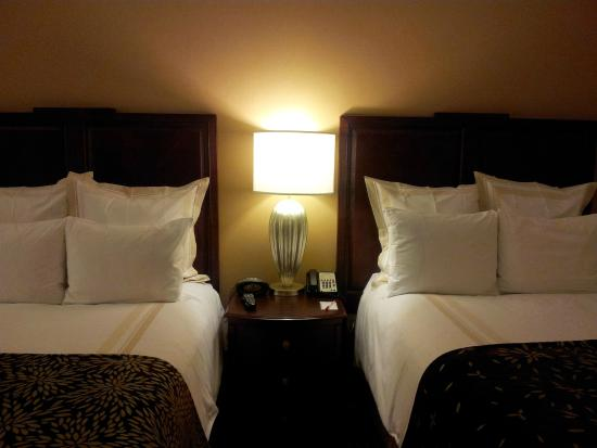 Louisville Marriott Downtown: Two Queen Beds