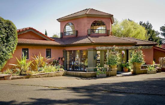 Sonoma Coast Villa & Spa : Resort Front Enterance