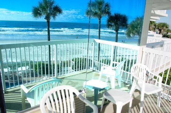 Bahama House: Reflection of my balcony view
