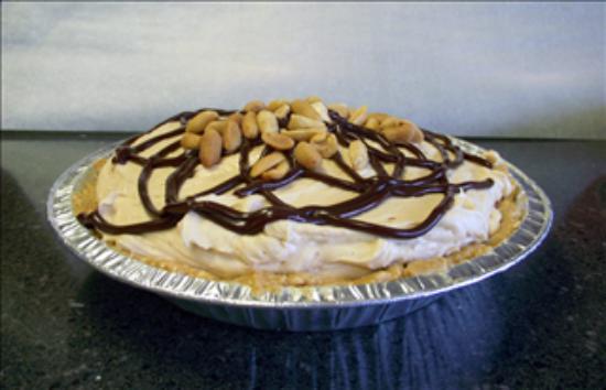 Main Street Cakery Cafe: Peanut Butter Pie