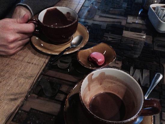 Hemingway : Chocolate 4 two