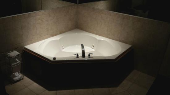 Country Inn & Suites by Radisson, Norman, OK: Jacuzzi