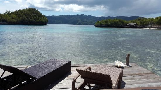 Raja Ampat Doberai Eco Resort: Open bungalow terrace, you can just jump into the water from this deck