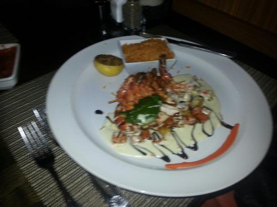 Luna Modern Mexican Kitchen : A spicy prawn dinner.