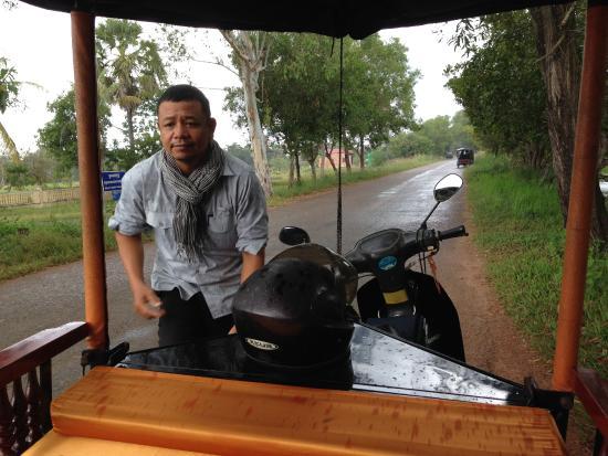 Pavillon Indochine Hotel: Tuk Tuk driver.. Mr Samreta..