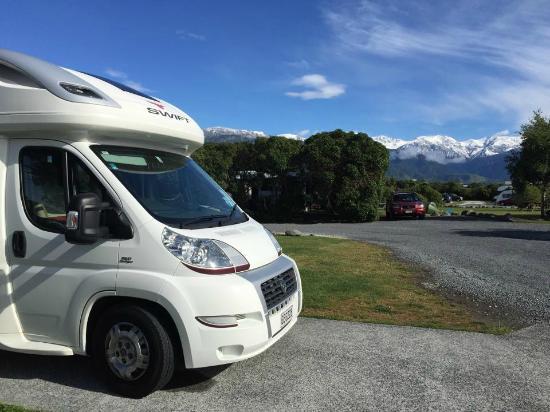 Kaikoura Top 10 Holiday Park: Parked up @ Kaikoura Top 10