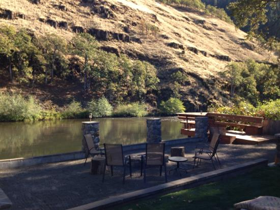 Klickitat River Front Inn: View from patio