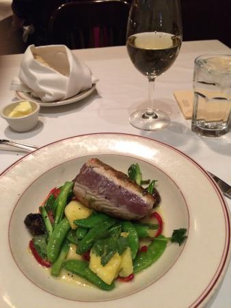 The St. Paul Grill: Tuna!
