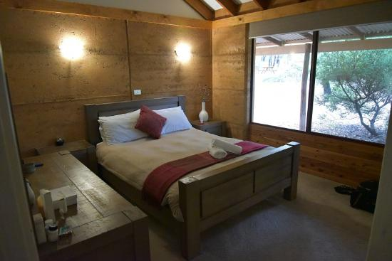 Woodstone Cottages: Main Bedroom