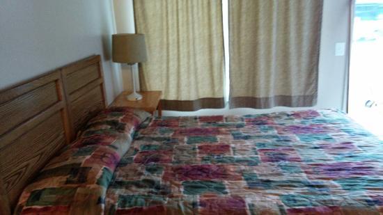 Parkside Motel : Queen bed