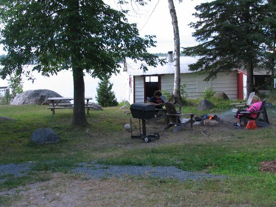 Bruce Bay Cottages: Hanging out at cabin