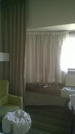 Avari Dubai Hotel: World Trevel Room