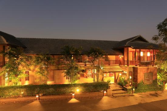 Baan Lapoon Hotel