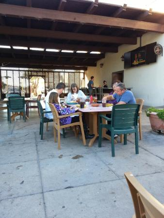 Old Pueblo Cafe : Outdoor seating