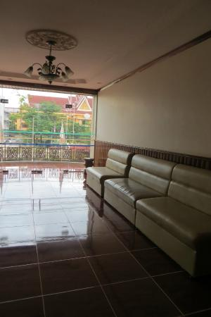 Prum Bayon Hotel: First floor common area