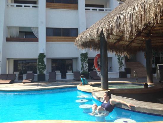 Bahia Hotel & Beach House: Pool bar