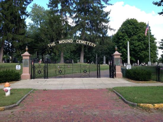 Marietta, OH: Entrance to Mound Cemetery